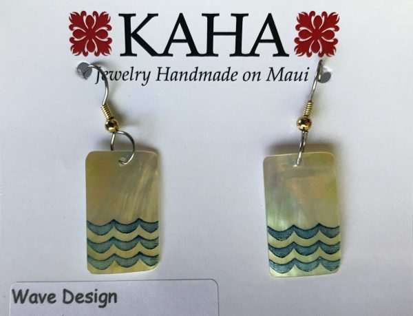 Wave design - mother of pearl earrings.